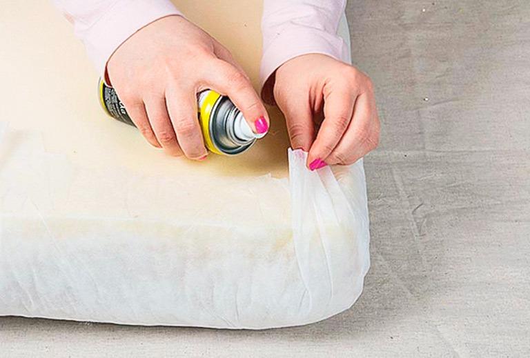 Клей в аэрозольном баллоне для ткани